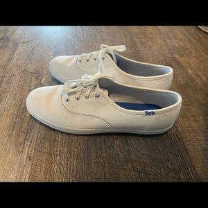 NEW white keds